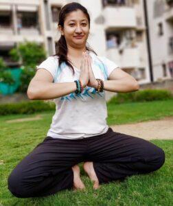 yoga-raveena-tondon.